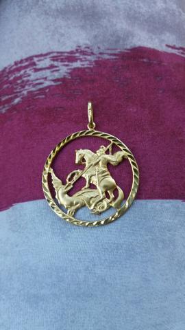 Medalha de São Jorge de ouro 18k 750