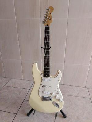 Fender Squier Stratocaster  turbinada com Seymour Duncan