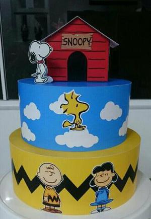 Display de chão Snoopy e Bolo Falso