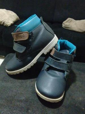 Lote com 4 pares de calçados. Tam.25