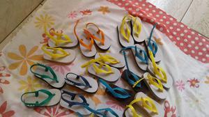Lote de sandálias infantil.