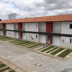 Casa sobrado em condomínio fechado