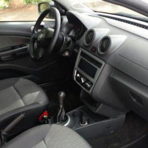 Volkswagen Gol (novo) 1.0 Mi Total Flex 8V 4p 2013