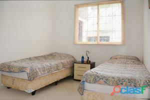 Casa com quatro quartos no Bairro Vila Nova