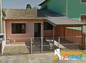 Casa de 2 dormitórios no bairro Parque Ipiranga
