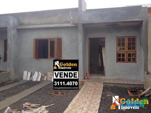 Casa de 2 dormitórios no bairro Parque da Matriz