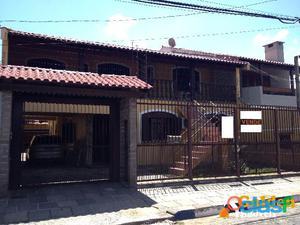 Casa de 3 dormitórios, bairro Vila Eunice em Cachoeirinha