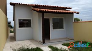 Casa em Itaipuaçu com 2 quartos. Próximo a praia