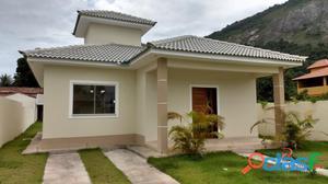 Casa em Itaipuaçu com 3 quartos e área de churrasqueira
