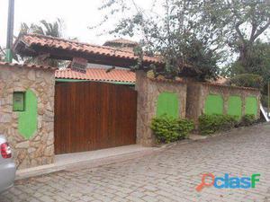 Linda casa estilo colonial toda varandada linear - Casa para