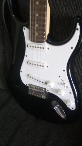 Guitarra Troco por violão