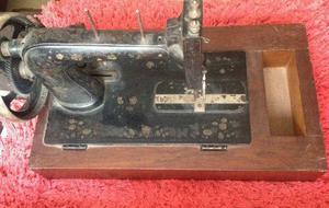 Maquina de costura manual vintage
