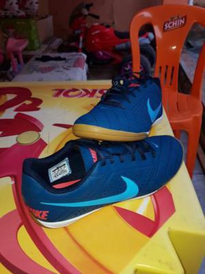 Chuteira Nike Original Futsal/Society 42