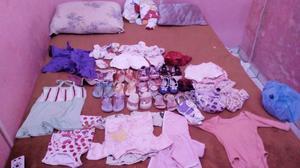 Lote de roupas de criança