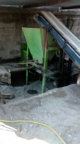 Maquina de blocos e bloquetes hidraulica