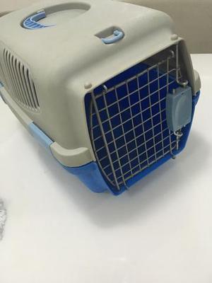 Caixa de transporte para cães e gatos tamanho pequeno