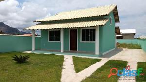 Casa em Itaipuaçu com 2 quartos, sendo 1 suíte