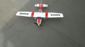 Aeromodelo cessna mod 182 skylane
