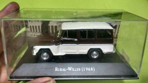 Coleção de miniaturas de carros nacionais e importados