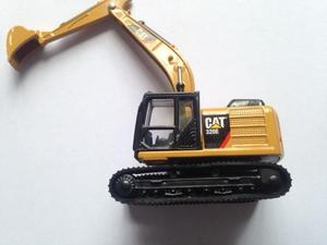 Miniatura Toy State Caterpillar CAT320E Escavadeira