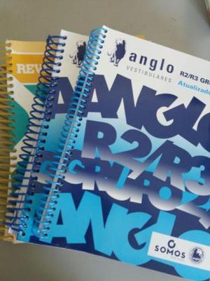 Livros de revisão Anglo para vestibulares