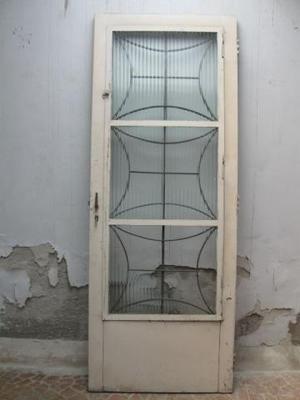 Porta de aço com postigo + batente + fechadura (no estado)