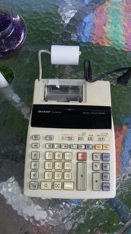 Vendo esa máquina de calcular, elétrica Sharp