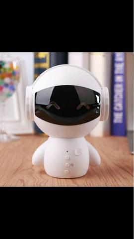 Robô portátil e falante