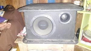 Vendo uma caixa de som
