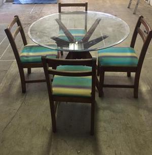 Mesa Gavea Tampo de vidro e 4 cadeiras