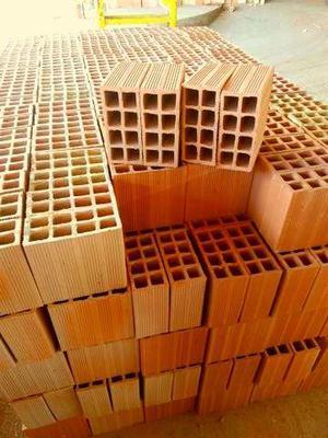 Distribuidora de tijolos 20x30 por apenas *
