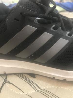 Tênis adidas running