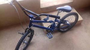 Bicicleta azul aro 20