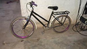 Vendo esta bicicleta média aro 24 bem conservada.
