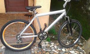 Bicicleta de aluminio 18 marchas aceito cartao