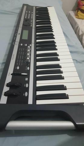Teclado sintetizador korg/negocio