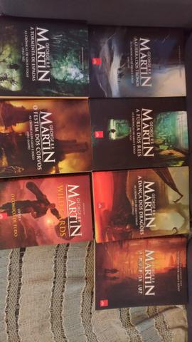 7 livros George R.R. Martin.