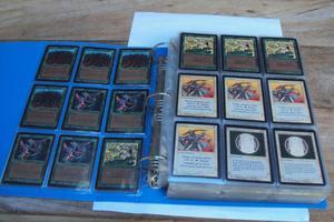 Coleção de cartas de magic the gathering de beta de