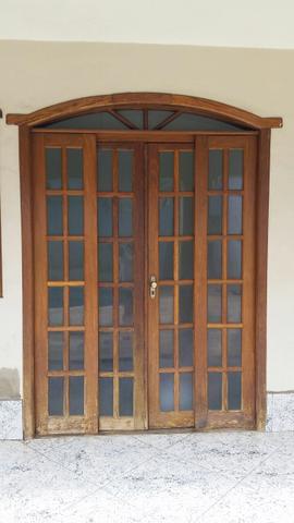 2 Portas de Madeira Sucupira