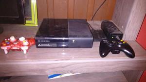 Vendo Xbox 360 mais HD de 50 jogos