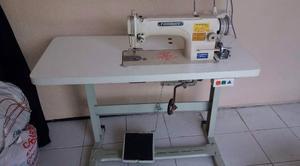 Máquinas de Costura - Reta e Interloque