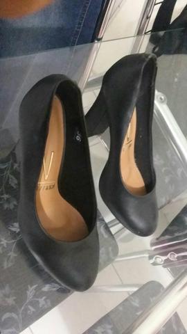 Sapatos femininos tam 36 e 37