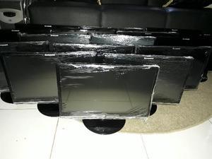 Lote com 16 monitores de 19 Lenovo, cor preta(black piano) a