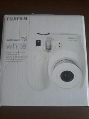 Maquina Fotográfica Instantânea Fujifilm