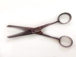 Tesoura de barbeiro/cabeleireiro antiga (código do produto: