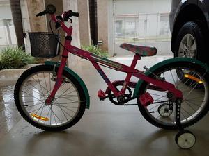 Linda bicicleta caloi feminina da barbie quase sem uso