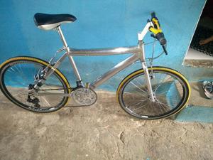 Vendo uma bike toda de alumínio