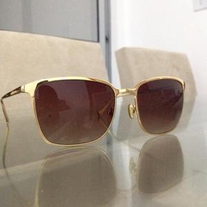 9465312c72b4e Óculos de sol chilli beans gold 24