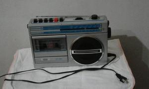 Vendendo rádio com toca fita ! conservado!