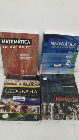 Livros didáticos do ensino médio. Tenho todas as